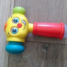 """Zabawka """" Uśmiechnięty młotek"""""""