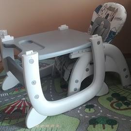 Caretero Homee - krzesełko do karmienia ze stolikiem