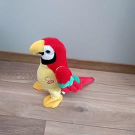 Interaktywna gadająca papuga Klara firmy Madej