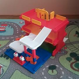 Garaż dla dzieci na samochody - zabawka Wader